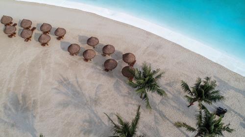 Bãi biển nhân tạo Vinhomes Gia Lâm
